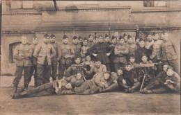 """Fotokaart Militairen Met Machinegeweer, """"ontvangen Van Student Moenaert Op 12-02-1923 Te Cortemarck, Kortemark (pk17344) - Kortemark"""