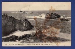 29 BEUZEC-CAP-SIZUN Les Récifs Au Trou D'Enfer ; Algue Collée Sur La Carte - Beuzec-Cap-Sizun