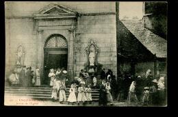 BTE09  Engomer Sortie De L'église - Autres Communes
