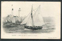CPA - DIEPPE - Entrée Du Port Au Moment De La Marée - Bateau De Pêche  (dos Non Divisé) - Dieppe