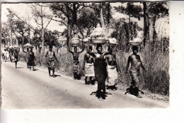 TOGO - KETAO, Vers La Marche - Togo
