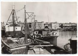 St JEAN DE LUZ--1966-Le Port Et Maison De L'Infante (animée,pêcheurs Sur Bateaux),cpsm 15 X 10 N° 1327 éd CAP - Saint Jean De Luz