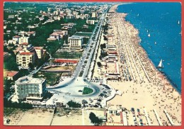 CARTOLINA VG ITALIA - RICCIONE (RN) - Panorama Aereo - Spiaggia E Lungomare - 10 X 15 - ANNULLO 1964 - Rimini