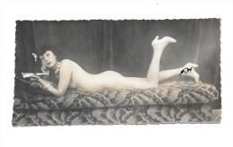 Photo Femme Nue Allongée Format 7.5x15 - Belleza Feminina (1941-1960)