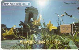 TARJETA DE GUATEMALA DEL MONUMENTO DE CARLOS III  CON CHIP ROJO (LADATEL) - Guatemala