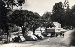 63 CHATEAUNEUF Les BAINS Cpsm Les Grands Bains Animée Voitures Anciennes 1950 - Autres Communes