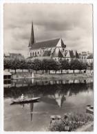 NEMOURS--- L'Abside De L'Eglise St Jean-Baptiste Sur Les Bords Du Loing...(animée,pêcheur Sur Barque)cpsm 15 X 10 N°1618 - Nemours