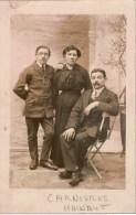 Carte-photo Famille Belge De Carnières (Hainaut)) Au Dos SOUVENIR DE NOTRE EXIL EN TERRE FRANCAISE GUERRE 1914-1916 - Identifizierten Personen
