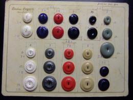 ANTIGUO MUESTRARIO DE BOTONES (MERCERIAS) - Botones