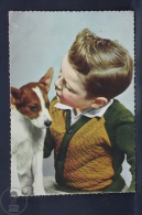 Vintage Children Topic Postcard - Small Boy & Dog - Groupes D'enfants & Familles