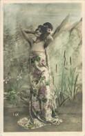 """FANTAISIE FEMMES FRAU LADY Illustrateur Signé LUX   : """" Portrait De Femme En Robe De Gala """" - Femmes"""