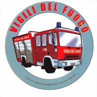 """01502 """"VIGILI DEL FUOCO""""  A CURA DEL SERVIZIO DOCUMENTAZIONE E RELAZIONI PUBBLICHE. ETICHETTA ADESIVA - Camion"""