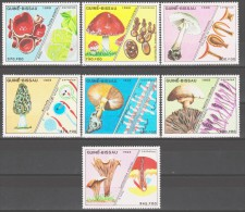 Guinea-Bissau 1988 Mi 989-995 Mushrooms / Pilze **/MNH - Champignons