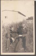 BELGIQUE- 2 Soldats Belge Discutant- Carte Photo - Belgium