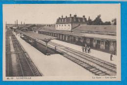 LUNEVILLE    La Gare     Les Quais   Animées - Luneville