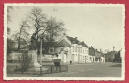 Limal - Le monument et vue de la rue - Carte photo - 1954  ( voir verso )