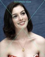 Anne Hathaway - 0582 - Glossy Photo 8 X 10 Inches - Personalità