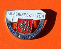 Pin´s - Glacières De Lyon - Glace à Rafraichir - Villes