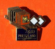 Pin´s - Appareil Photo - 1880 - Press Labo Service - Photography