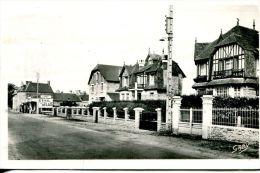 N°6516A -cpsm Isigny Sur Mer -rue Du Docteur Boutrois- - France