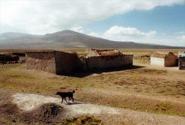 1 AK Peru * Ansicht des Dorfes Chucura in der N�he der Stadt Chivay *