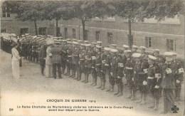 WW1 - La Reine Charlotte De Wurtemberg Visite Les Infirmiers De La Croix-Rouge - Cpa En Bon état. - War 1914-18