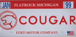 "TARGA METALLICA (RIPRODUZIONE) : TARGA AUTOMOBILE AMERICANA ""COUGAR FLATROCK MICHIGAN ´99"" - CAR ID REPRO(RARA / OTTIMA) - Cartelli Pubblicitari"