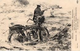 En BELGIQUE  - Motocycliste Belge Sur Le Qui-vive  - Avec Moto - War 1914-18