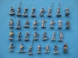 30 Figurines En Plomd 15 Mm  : Soldats Anglais Et Les Colonies  & - Jeux De Société