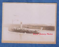 Photo Ancienne Avant 1900 - Port à Identifier - Bateau Vapeur De La Chambre De Commerce - Calais ? - Barche