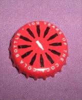 Coca-cola - Bottle Cap / Magnet - 100 Years Of The Coca-cola Bottle, Croatia, 2015. - Casquettes