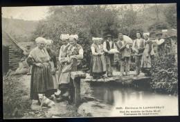 Cpa Du 29 Environs De Landivisiau Bief Du Moulin De Goas Moal Costumes De Landivisiau   AG15 16 - Landivisiau