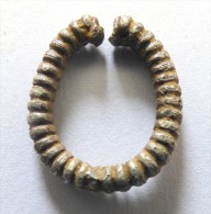 Bague Gallo Romaine Argent    Poids 4 Gr  Largeur 2 .5cm  Patine Magnifiqua Qualite - Archeologia
