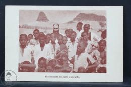 Old Africa Postcard - Algeria - Niger - Missionnaire Entouré D´Enfants - Níger