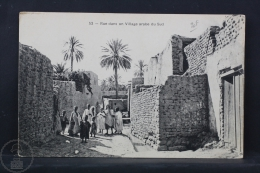 Old Africa Postcard - Rue Dans Un Village Arabe Du Sud - Otros