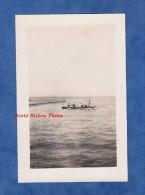 Photo Ancienne - SAINT NAZAIRE Ou Environs - Groupe De Personnes Sur Un Canot Avec Passeur - Boats