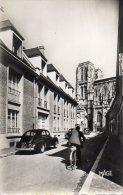 """80 ABBEVILLE ( Somme )  Rue De L' Hôtel Dieu .  """" N & B Crantée 138 X 88 """" - Abbeville"""