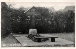 BELGIQUE - FLANDRE ORIENTALE - DENDERMONDE - TERMONDE - MOERZEKE - Het Graf Van D.E. Heer Poppe - La Tombe De D. L'Abbé - Dendermonde
