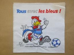 Serviette En Papier Tous Avec Les Bleus De La FFF Avec Jules La Mascotte De L´équipe De France De Foot - Reclameservetten