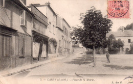 Cpa  91 Lardy , La Place De La Mairie - Lardy