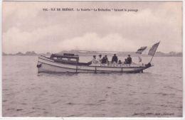 """692- ILE De BREHAT -  La Vedette """" La Brehatine """" Faisant Le Passage -ed. Renault - Ile De Bréhat"""