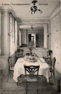 Dijon : Petit Salon De L'hôtel 'Au Chateaubriand', Quartier De La Gare (Edit. Blum Et Cie, N°4) - Dijon