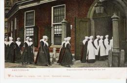 AMSTERDAM 24213 BURGERWEESMEISJES MET INGANG NIEUWE KERK   1905 - Amsterdam
