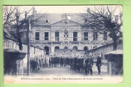 ETAIN - Beau Plan Animé Des Baraquements Ecoles Provisoires - Hôtel De Ville En Reconstruction En 1924 - Edition Métrich - Etain