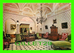 MONACO - PALAIS DE S.A.S. LE PRINCE DE MONACO - CHAMBRE LOUIS XIII - LUSTRE FLAMMAND - - Palais Princier