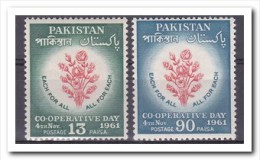 Pakistan 1961, Postfris MNH, Flowers, Roses - Pakistan