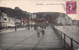 76 - FECAMP - Le Casino Et La Digue - 2 Scans - Fécamp