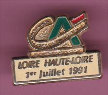 44397-Pin's.Banque.credit Agricole.loire Haute Loire.. - Banques