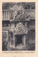 Camboya--Angkor--Frontons Superposes Au-dessus De La Porte Centrale Des Galeries Sud Du 2º Etage - Camboya