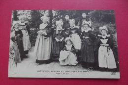 Cp Coutumes Moeurs Et Costumes Bretons Pont Aven - Europe